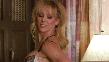 Blonde mommy is madly in love with her lesbian stepdaughter